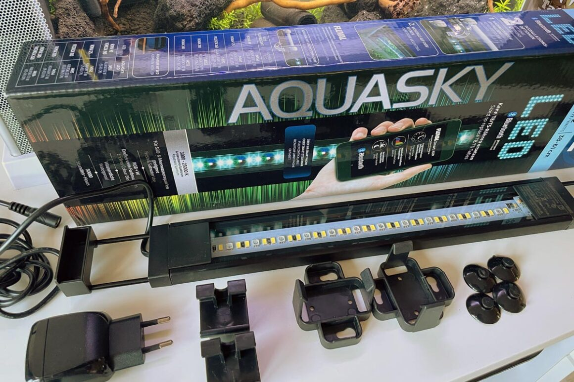 Fluval AquaSky 2.0 LED Lieferumfang